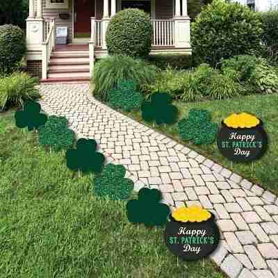 St. Patrick's Day - Shamrock and Pot of Gold Lawn Decorations