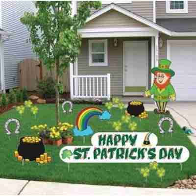 St. Patrick's Day Yard Decorations - Stand Up Set (12 Pieces)
