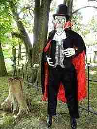 Animated Skeleton Vampire Life Size 72 in Tall LED eyes Halloween Sound Effects