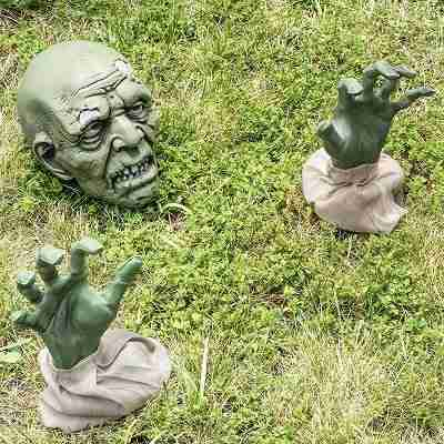 Halloween Zombie Face and Arms Lawn Stakes for Best Halloween Graveyard Décor