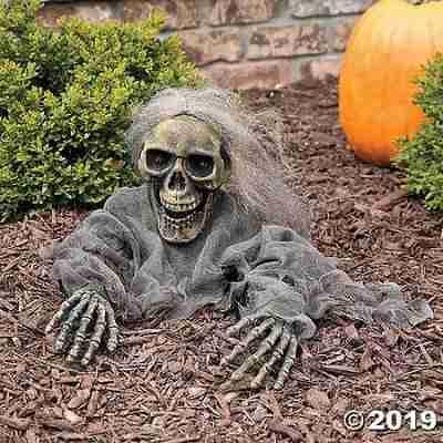 Try Me Skeleton Grave Breaker Halloween Décor