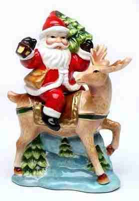 Santa Claus Ceramic Salt And Pepper Shakers For Christmas Holiday Décor Season Charm